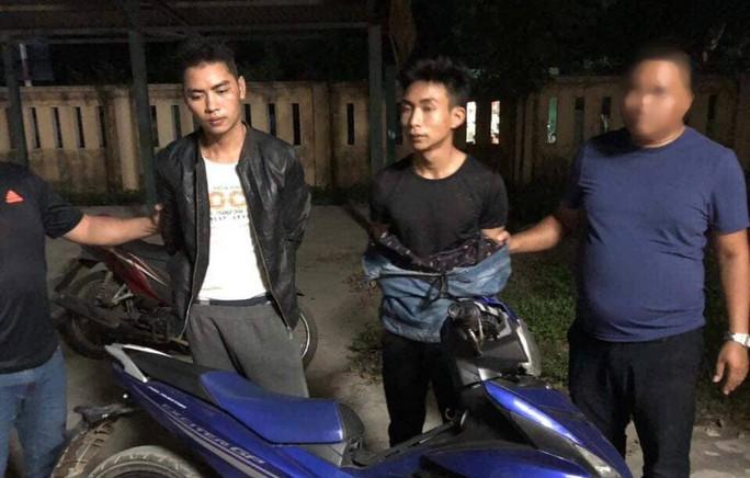 Những hình ảnh đầu tiên sau khi bắt nóng 2 nghi phạm sát hại nam sinh viên chạy Grab - Ảnh 1.