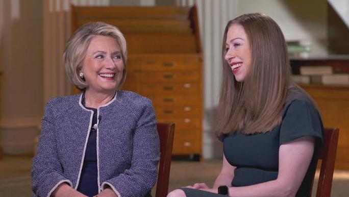 Bà Clinton: Tổng thống Donald Trump bị ám ảnh về tôi - Ảnh 1.