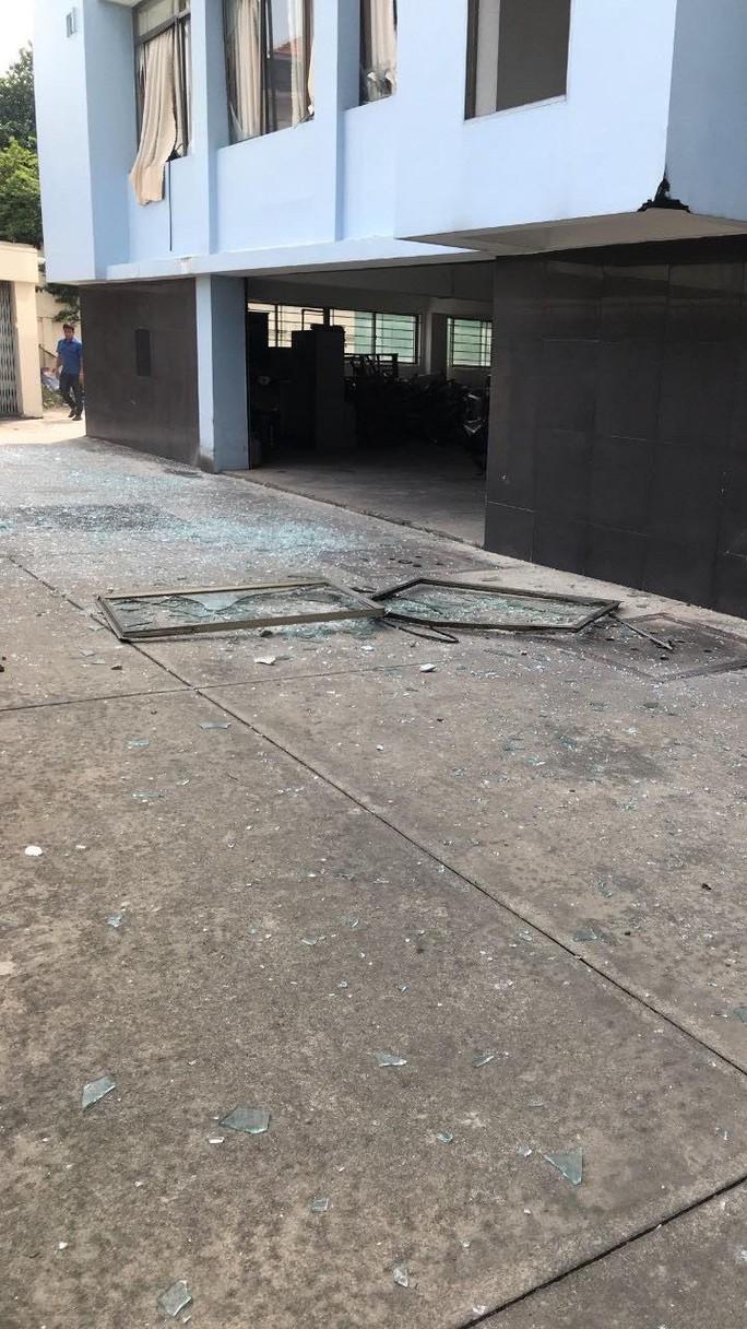 Công an tỉnh Bình Dương thông tin về vụ nổ ở Cục Thuế - Ảnh 2.