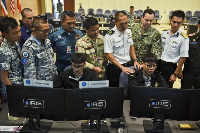 Những hình ảnh ban đầu về diễn tập hải quân Mỹ-ASEAN - Ảnh 5.