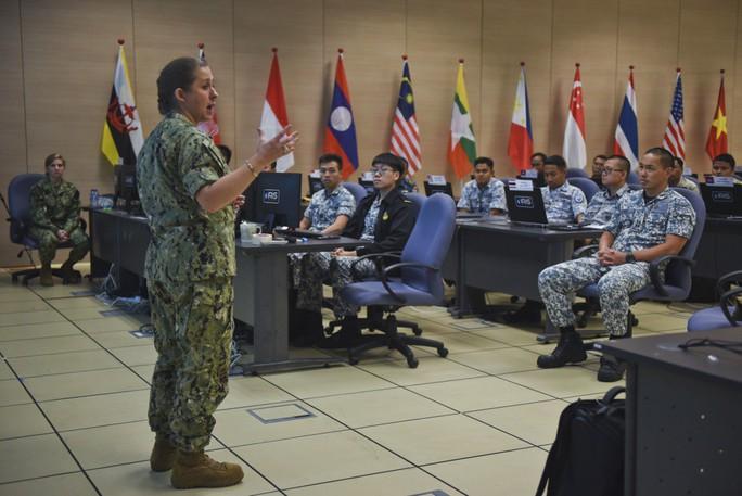 Những hình ảnh ban đầu về diễn tập hải quân Mỹ-ASEAN - Ảnh 7.