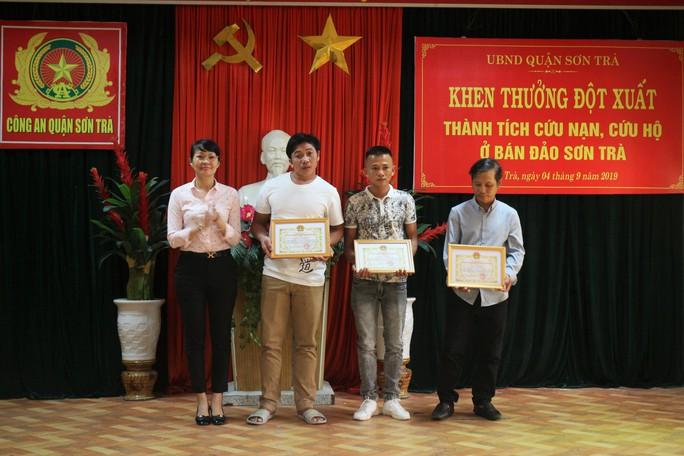 Truy tặng giấy khen cho công dân tử vong khi cứu 4 người bị lạc tại Sơn Trà - Ảnh 1.