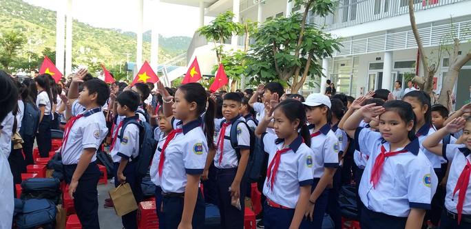 Trungnam Group bàn giao ngôi trường 45 tỉ đồng cho Ninh Thuận trong ngày khai giảng - Ảnh 2.