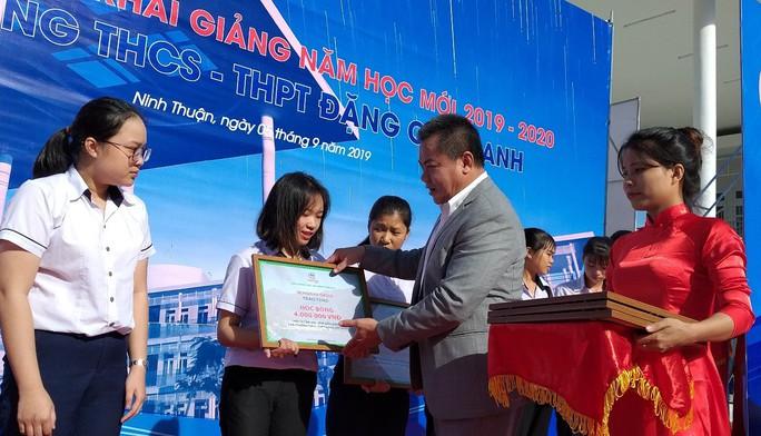 Trungnam Group bàn giao ngôi trường 45 tỉ đồng cho Ninh Thuận trong ngày khai giảng - Ảnh 4.