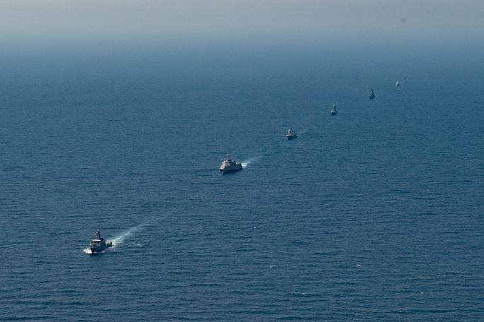 Hình ảnh tàu Hải quân Việt Nam tham gia cuộc Diễn tập hải quân ASEAN - Mỹ - Ảnh 1.