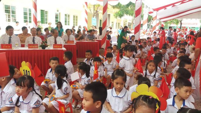 Những hình ảnh học sinh, sinh viên cả nước khai giảng năm học mới - Ảnh 9.