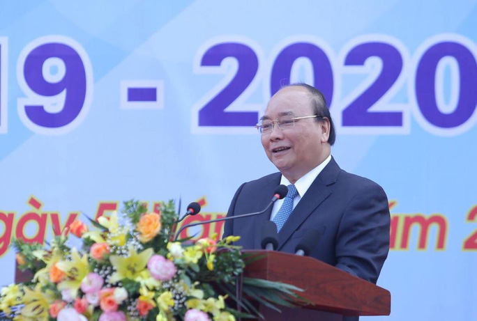 Thủ tướng Nguyễn Xuân Phúc đánh trống khai giảng năm học mới - Ảnh 5.