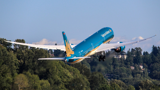 Sau giấy phép vận chuyển thương mại, Vietnam Airlines còn cần gì để bay thẳng đến Mỹ? - Ảnh 1.