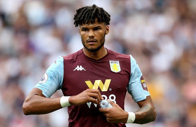 Cầu thủ vô gia cư được tuyển Anh triệu tập đá EURO - Ảnh 1.