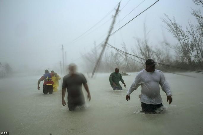特朗普先生违反了法律,因为在Twitter上发布了关于风暴的错误陈述?  - 图片4。
