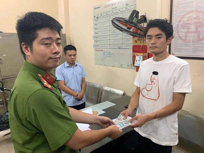 """Tài xế Grab """"chặt chém"""" nhóm du khách Nhật Bản 2 triệu đồng cho quãng đường 8 km - Ảnh 1."""