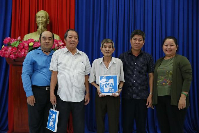 Cán bộ Công đoàn TP HCM về thăm Côn Đảo - Ảnh 3.