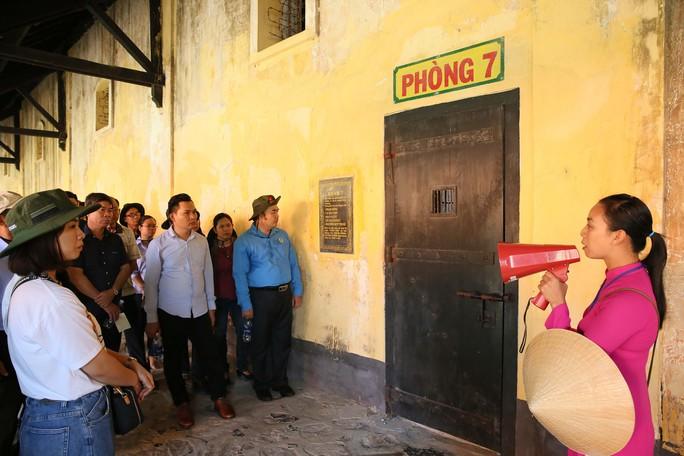 Cán bộ Công đoàn TP HCM về thăm Côn Đảo - Ảnh 4.