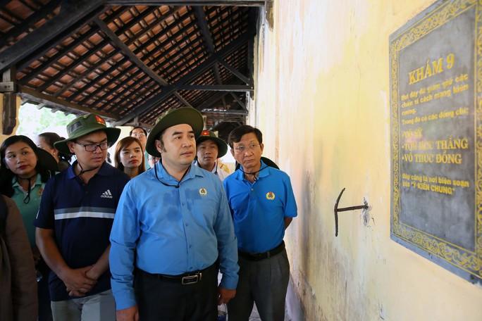 Cán bộ Công đoàn TP HCM về thăm Côn Đảo - Ảnh 6.