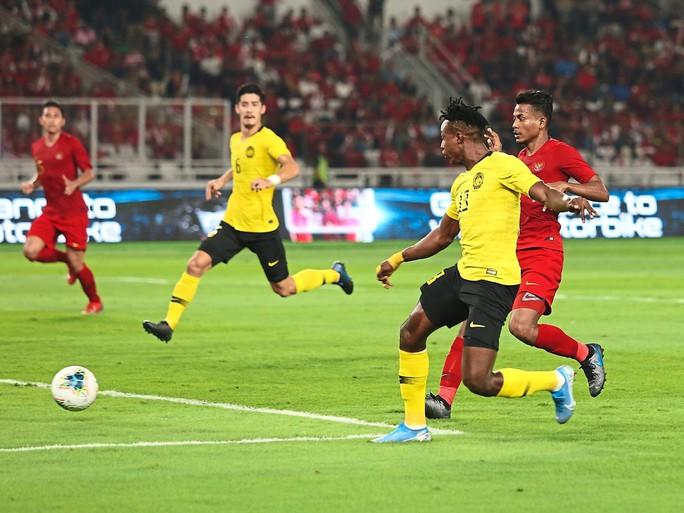 CĐV Indonesia làm loạn, Bộ trưởng Malaysia dọa kiện lên FIFA - Ảnh 3.