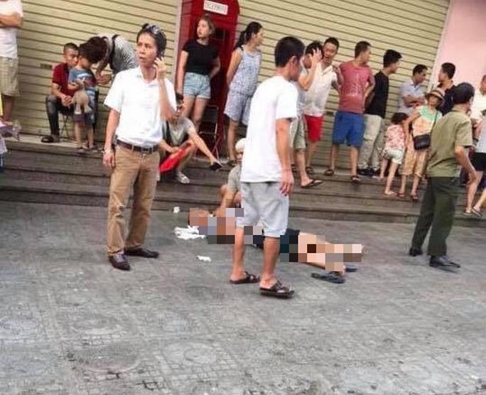 Nổ lớn ở chung cư Linh Đàm, 3 người bị thương - Ảnh 1.