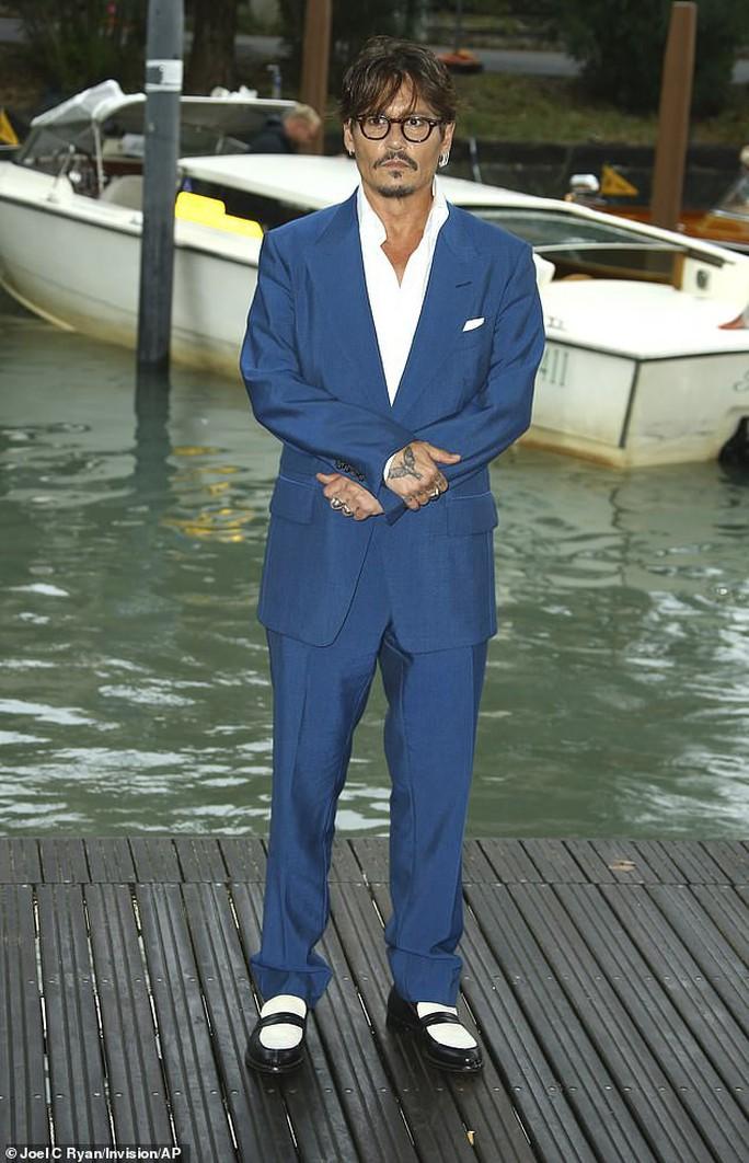 """""""Cướp biển"""" Johnny Depp bảnh bao tại LHP Venice - Ảnh 2."""