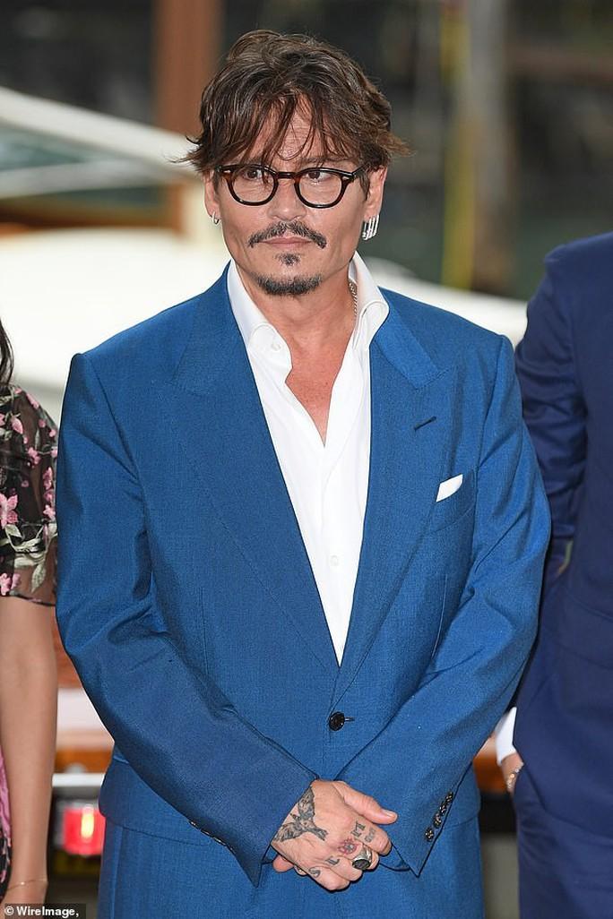 """""""Cướp biển"""" Johnny Depp bảnh bao tại LHP Venice - Ảnh 1."""
