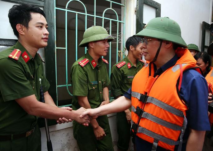 Xuất cấp gạo hỗ trợ dân Quảng Bình, Hà Tĩnh - Ảnh 1.