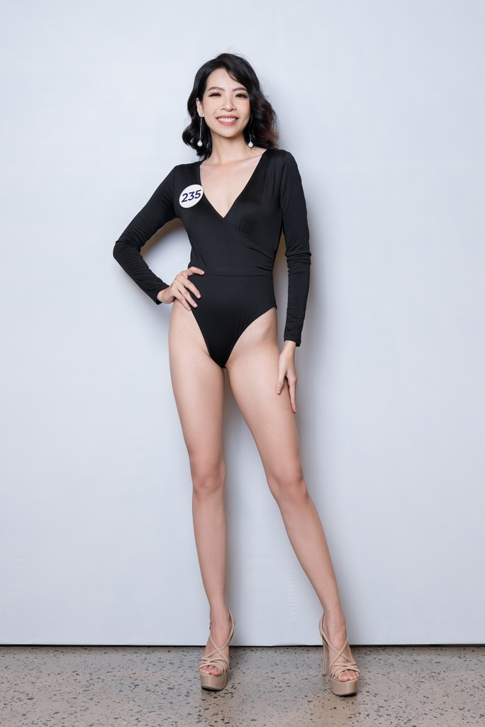 Hé lộ loạt bikini đầu tiên của mùa Hoa hậu Hoàn vũ 2019 - Ảnh 9.