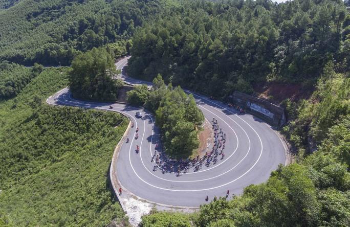 Áo vàng lại đổi chủ sau chặng 7 Giải Xe đạp quốc tế VTV Cup 2019 - Ảnh 1.