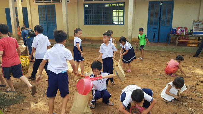 Hơn 8.200 người tham gia dọn vệ sinh Ngày Vì môi trường Phú Quốc - Ảnh 2.