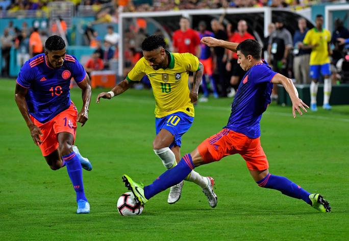 Neymar tái xuất và ghi bàn, Brazil hòa thót tim Colombia - Ảnh 2.