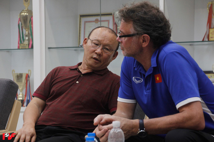 HLV từng dự World Cup nhận dẫn dắt U18 Việt Nam thay ông Hoàng Anh Tuấn - Ảnh 2.