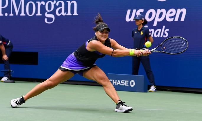 Clip: Serena Williams thua sốc tay vợt 19 tuổi ở chung kết US Open - Ảnh 2.