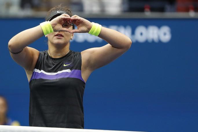 Clip: Serena Williams thua sốc tay vợt 19 tuổi ở chung kết US Open - Ảnh 3.