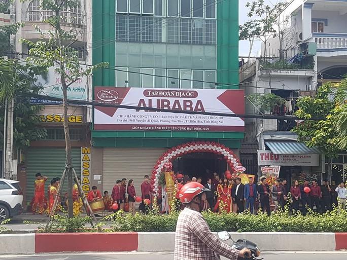 Thêm 1 văn phòng trái phép mang tên địa ốc Alibaba tại Đồng Nai - Ảnh 1.