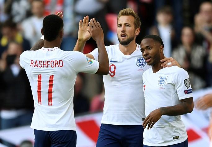 Kosovo gây sốc, tuyển Anh lo thót tim ở vòng loại EURO - Ảnh 5.