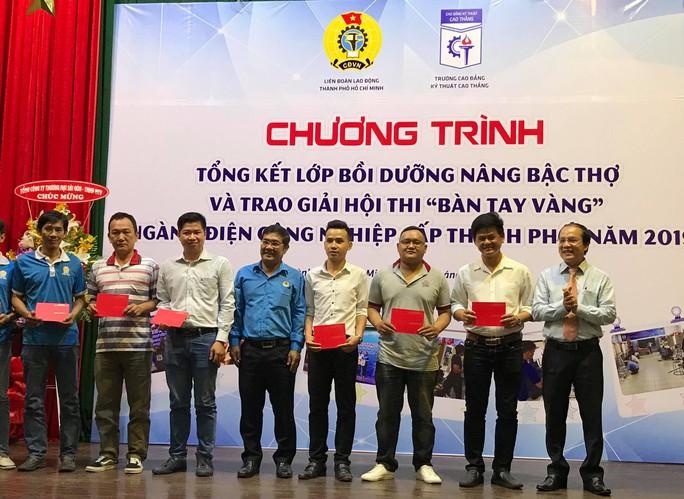 Thí sinh Phúc Thướng, đoạt giải Bàn tay vàng ngành Điện công nghiệp cấp TP năm 2019 - Ảnh 3.
