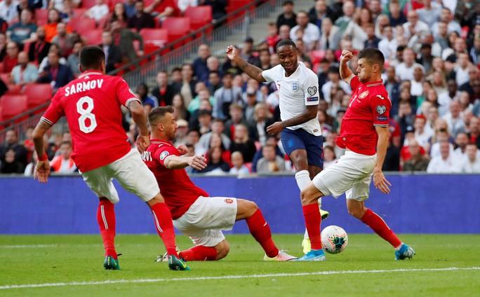 Kosovo gây sốc, tuyển Anh lo thót tim ở vòng loại EURO - Ảnh 4.