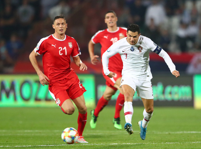 Ronaldo rực sáng, Bồ Đào Nha đãi đại tiệc 6 bàn thắng - Ảnh 2.