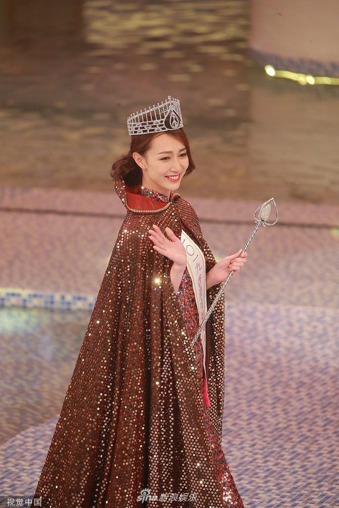 Tiểu Quách Khả Doanh đăng quang Hoa hậu Hồng Kông 2019 - Ảnh 3.