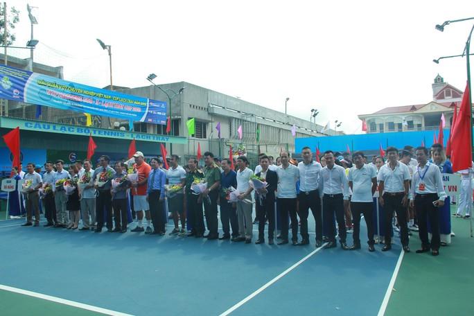 Lý Hoàng Nam đấu VTF Masters 500 lần 3 trong màu áo mới - Ảnh 1.