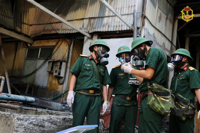 Hỏa tốc đề nghị Hà Nội báo cáo công tác khắc phục hậu quả vụ cháy Công ty Rạng Đông - Ảnh 1.