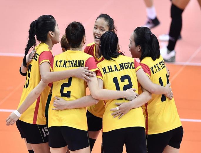 Giải Vô địch bóng chuyền quốc gia 2019: Bình Điền Long An và Sanest Khánh Hòa mơ chung kết - Ảnh 1.
