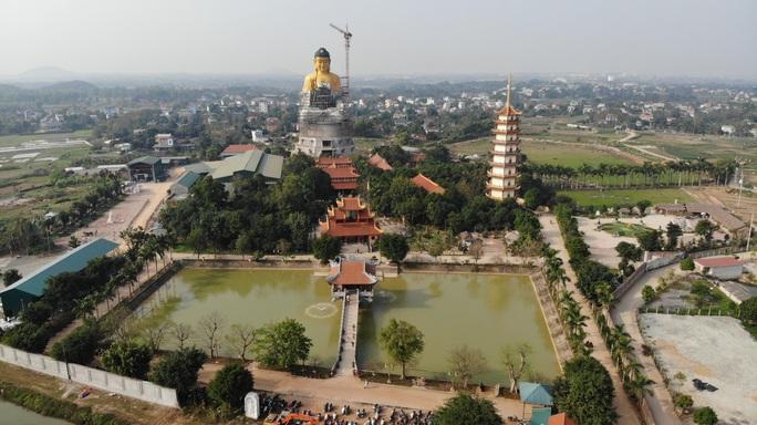 Cận cảnh tượng phật A Di Đà lớn nhất Đông Nam Á đang hoàn thiện ở Hà Nội - Ảnh 1.