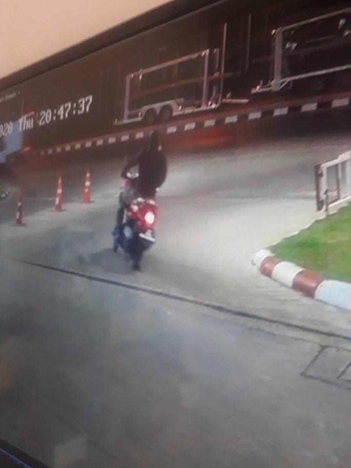 Thái Lan: Xông vào cướp vàng, bắn chết 3 người rồi tẩu thoát - Ảnh 1.