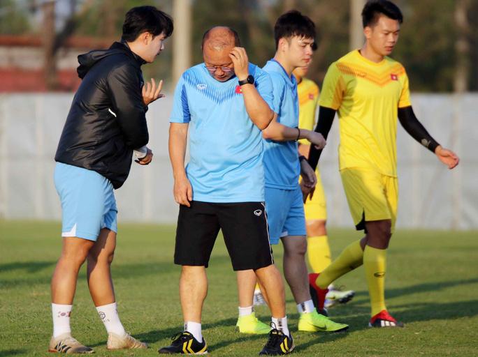 Đội hình xuất phát U23 Việt Nam gặp UAE tối nay: Sẽ có bất ngờ ở đường biên? - Ảnh 2.