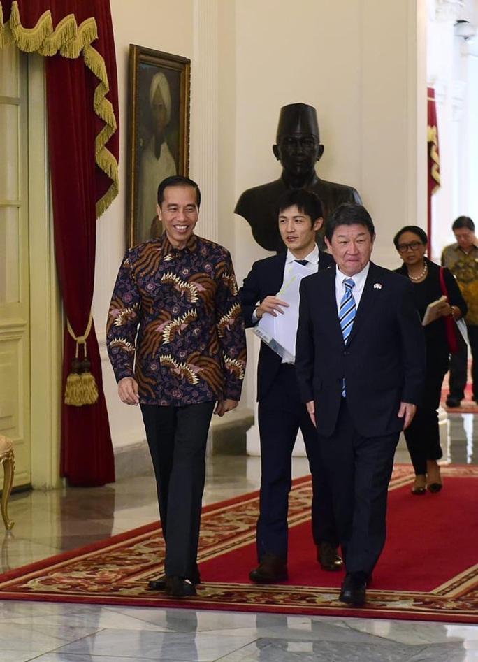 Lo ngại Trung Quốc, Indonesia kêu gọi Nhật Bản tăng cường đầu tư - Ảnh 1.