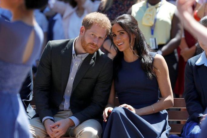 Hoàng tử Harry dứt áo: Hoàng gia Anh tổn thương, dân Canada ngỡ ngàng - Ảnh 1.