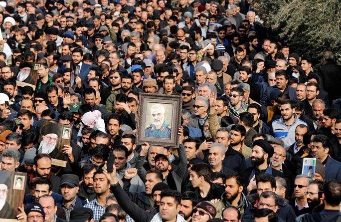 Mỹ ám sát tướng Soleimani là vì... Trung Quốc - Ảnh 1.