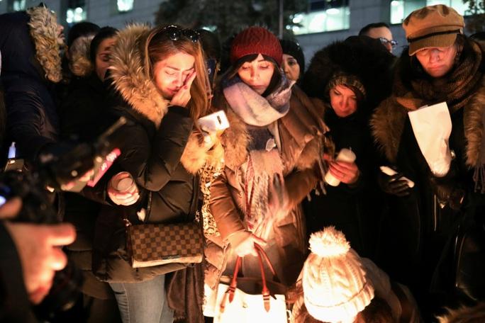 Từ vụ máy bay Ukraine rơi, quá khứ đau thương của Iran vang vọng - Ảnh 2.