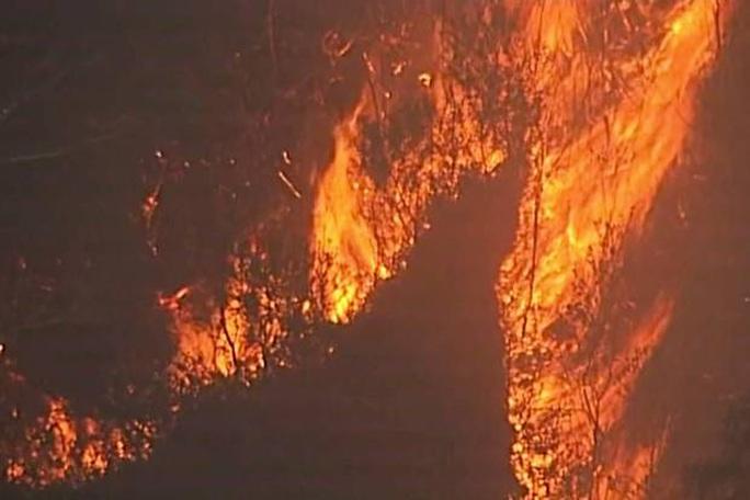 Úc: Cháy rừng hai bang nhập 1, siêu hỏa ngục hình thành - Ảnh 3.