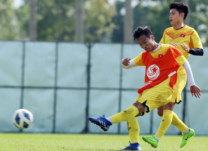 U23 Việt Nam - Triều Tiên: Đổi tiền vệ trung tâm, đẩy Quang Hải trở lại cánh - Ảnh 3.