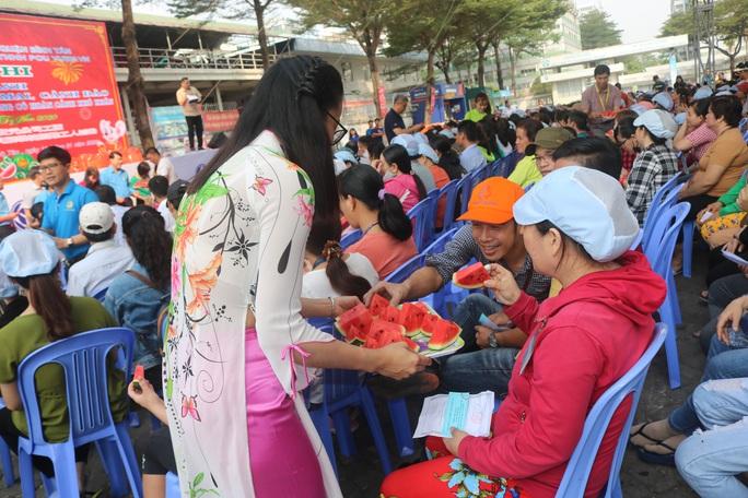 Công nhân Công ty TNHH Pou Yuen vui xuân - Ảnh 7.