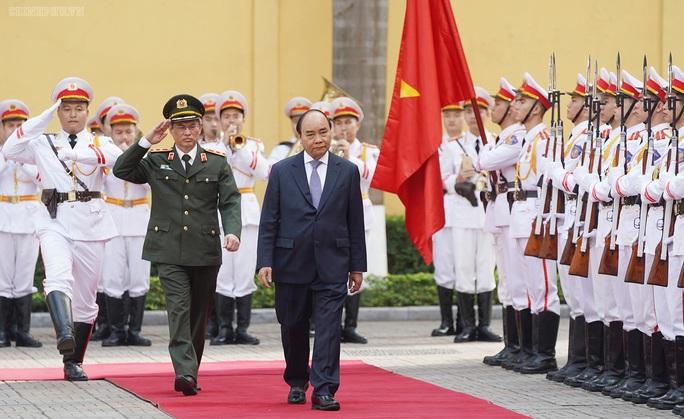 Kiểm tra công tác cảnh vệ, Thủ tướng đề cập vụ Đồng Tâm - Ảnh 1.